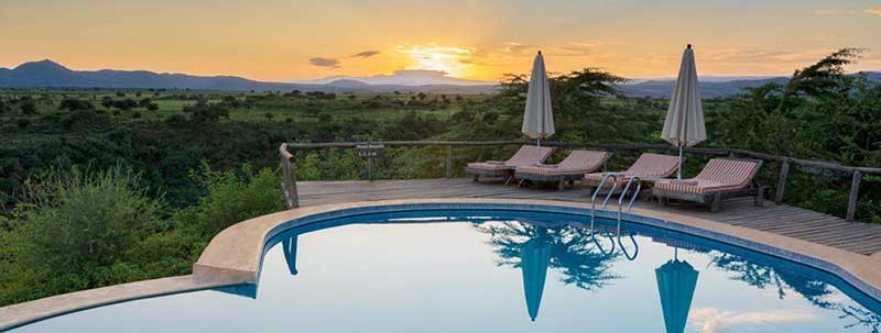 A CAMP OR LODGE? WHICH IS BETTER FOR YOUR SAFARI